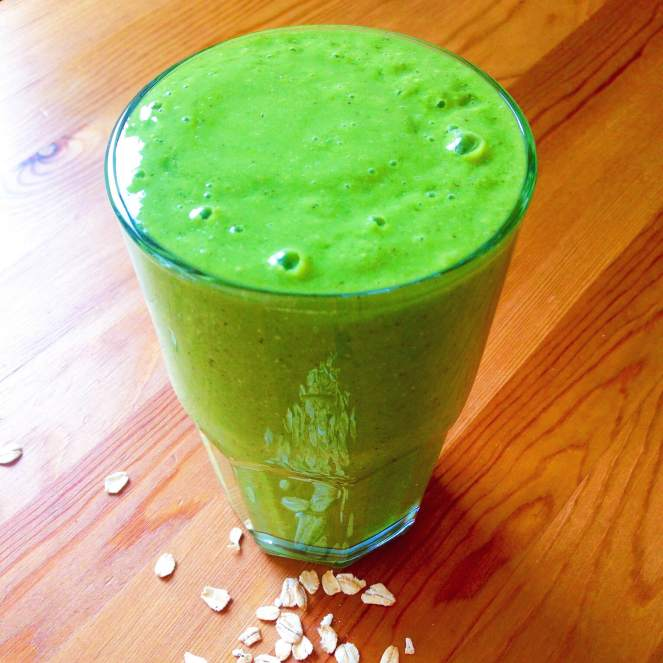 detox green smoothie.JPG