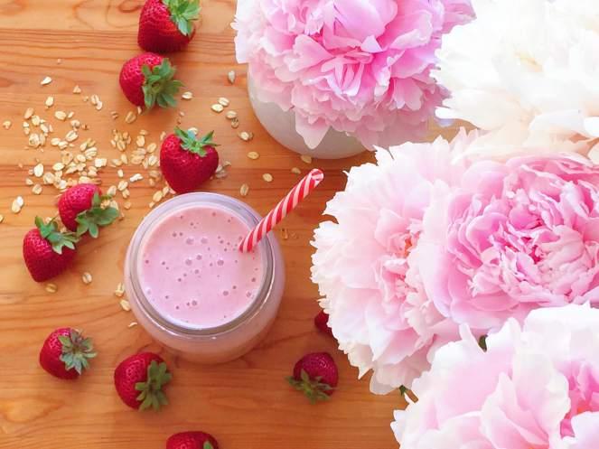 strawberry smoothie recipe.JPG