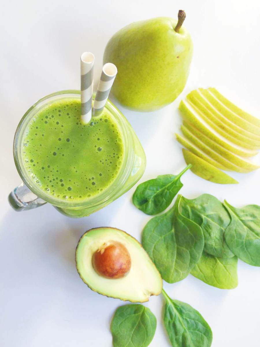 Pear, Vanilla, Avocado & Spinach Smoothie