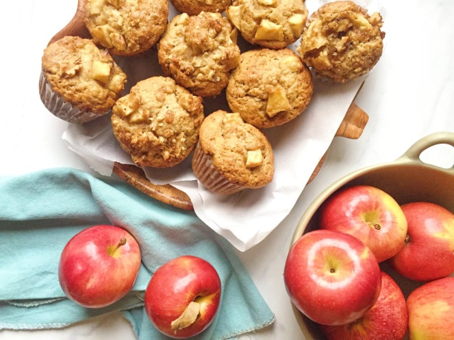 apple pie muffins.JPG